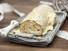 Joululeivonnaiseksi sopiva kääretorttu kuorrutetaan valkosuklaalla. Halon oksakohta tehdään tortun päätypalasta.