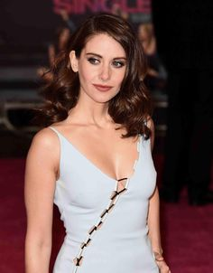 Alison Brie #sexy #celebrity #hotgirls - Visit http://www.classybro.com/category/hot-girls/ for more!