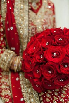 Indian Wedding - Bouquet of Perfect Roses with Diamonds, between Precious Stones, Jewelry and Fine Fabrics