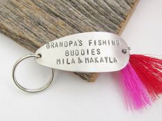Gift for Grandparents Christmas Gift Grandmother Fishing Lure Keychain New Grandparents Grandbaby Gift for Mom and Dad Grandchildren's Names