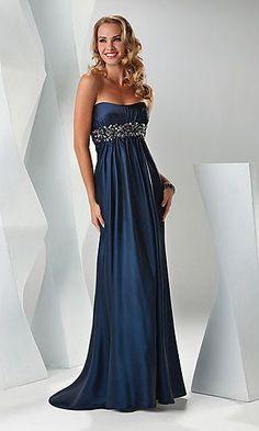 Vestido de formatura azul - http://vestidododia.com.br/vestidos-de-festa/vestido-de-formatura-azul/ #dresses #fashion #prom