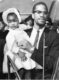Malcolm X & Daughter Ilyasah(giving one hell of a side-eye {r}) Malcolm X, Human Rights Activists, Civil Rights Leaders, By Any Means Necessary, Black History Facts, Book People, Culture, African American History, Black Power
