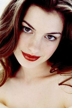 What Fans Should Know About Anne Hathaway - Celebrities Female Beautiful Brown Eyes, Beautiful Women, Actriz Anne Hathaway, Hollywood, Anne Jacqueline Hathaway, Anne Hattaway, Katharine Isabelle, Foto Instagram, American Actress