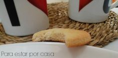 Con una misma receta , y de una misma masa, podemos hacer dos tipos diferentes de galletas . Unas galletas muy especiales, las que s...