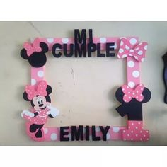 Centros De Mesas  - $ 70,00 Minnie Mouse Birthday Decorations, Mickey Birthday, 1st Birthday Parties, Mickey Photo Booth, Mickey E Minnie Mouse, Party Photo Frame, Diy Crafts For Gifts, Photos, Baby Shower
