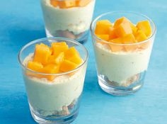 A trick to making easy fruity desserts? Mix mangoes and cream!
