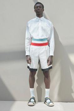 Dior Men Spring 2021 Menswear Live Fashion, Fashion Show, Fashion Outfits, Fashion Weeks, Vogue Paris, Dior Men, Recycled Dress, Runway Fashion, Mens Fashion