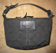Pretty bag... great price!