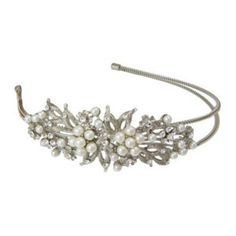 Utterly breathtaking, this vintage style pearl side tiara oozes antique charm - perfect for special occasions and a divine wedding hair accessory for brides and bridemaids Bride Headband, Bridal Tiara, Headpiece Wedding, Vintage Hair Accessories, Wedding Hair Accessories, Wedding Jewelry, Tiara Hairstyles, Wedding Hairstyles, Wedding Tiaras