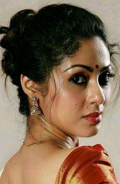 Indian Photoshoot, Desi Girl Image, Most Beautiful Bollywood Actress, South Indian Actress Hot, Cute Beauty, Indian Beauty Saree, India Beauty, Beauty Women, Hair Beauty