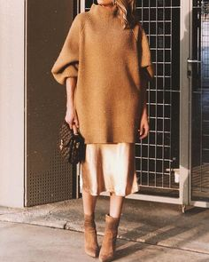 Autumn outfit ideas for every day : Textured Monochrome: oversize tunic sweater over silk/satin dress/skirt with ankle boots, all similar color tones Skirt Outfits, Fall Outfits, Sweater Skirt Outfit, Dress Skirt, Tunic Sweater, Casual Outfits, Silk Dress, Satin Midi Skirt, Legging Outfits