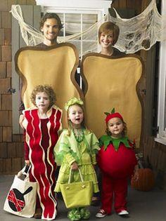 Famílias com fantasias bizarras de halloween (32 fotos)