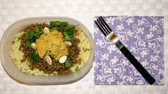 Insalata di cous cous, hummus di ceci, lenticchie, mandorle tostate, coriandolo
