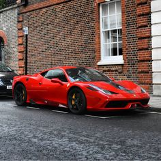 Ferrari 458 Speciale painted in Rosso Corsa w/ black and gray central racing stripes  Photo taken by: @faijerspotter on Instagram