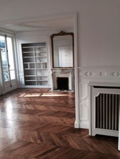 {diy home decor small apartment Style At Home, Style Blog, Rooms Home Decor, Diy Home Decor, French Apartment, Paris Apartment Interiors, Interior Design Minimalist, Small Apartment Decorating, Small Apartments