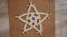 How to create a beautiful macrame star. Macrame Wall Hanging Patterns, Macrame Plant Hangers, Macrame Art, Macrame Design, Macrame Projects, Macrame Knots, Macrame Patterns, Rope Crafts, Macrame Tutorial