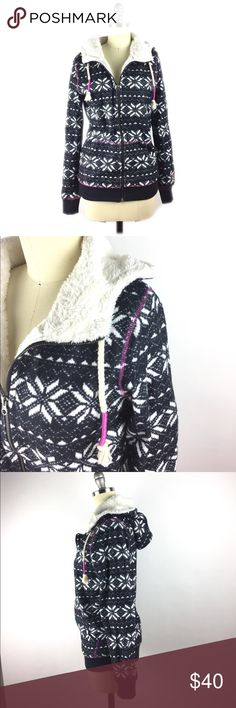 Roxy Fleece Lined Zip Front Hooded Jacket S Luxuriously soft fleece lined hooded jacket by Roxy has a zip front. Can be layered and worn as a hoodie or worn as a cold weather jacket. Excellent condition. Size small. A08040 Roxy Jackets & Coats