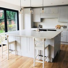 Enhance the minimalist design of our Chelford Dove Grey kitchen with brass accents for a luxurious finish as demonstrated by… Howdens Kitchens, Grey Kitchens, Home Kitchens, Kitchen On A Budget, Kitchen Living, Kitchen Decor, Ikea Kitchen, Kitchen Ideas, Fixer Upper