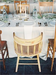 What a lovely example of a rustic table setting!