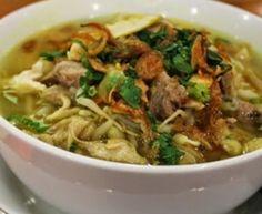 Indonesische Recepten: Soto ajam: Indonesische soep van kip met rijst en heerlijke toppings