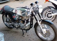 norton cafe racer for sale - Google Search Norton Bike, Norton Cafe Racer, Cafe Racer Motorcycle, Cafe Racer For Sale, Café Racers, Classic Bikes, Bobbers, Cars And Motorcycles, Biker