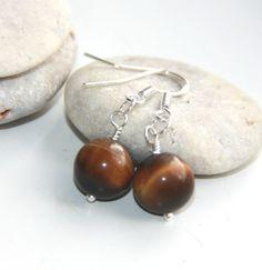 """The eye of a tiger"" earrings Handmade Jewelry, Shops, Drop Earrings, Eyes, Brown, Stone, Tents, Handmade Jewellery, Jewellery Making"