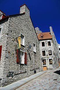 CANOE -- Travel - Canada's UNESCO World Heritage Sites