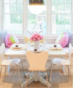 fazer um cantinho na cozinha para pequeno almoço e jantares simples? vale a pena ou não se justifica?