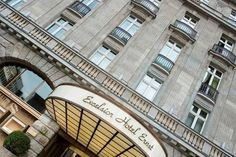 Exterior at 5 star hotel: Excelsior Hotel Ernst. This hotel's address is: Trankgasse City Center - Old Town Cologne 50667 and have 140 rooms Top Hotels, 5 Star Hotels, Hotels And Resorts, Best Hotels, Excelsior Hotel, Cologne Germany, Grand Hotel, Old Town, Cathedral