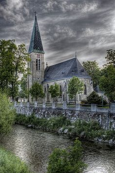 Beautiful church in Austria, photo by Muffinman. Cathedral Architecture, Beautiful Architecture, Beautiful Buildings, Beautiful Places, Old Country Churches, Old Churches, Sound Of Music Austria, Europe Centrale, Houses Of The Holy