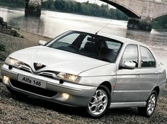 Alfa Romeo 146 Ti UK-spec (930B)