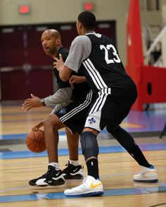 New Orleans Coach Monty Williams took AD into the post
