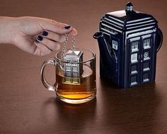 TARDIS kettle and infuser