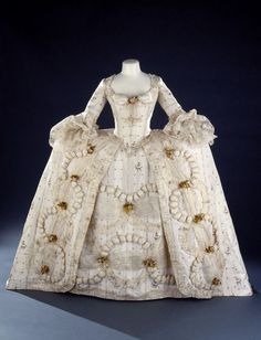 Robe a la francaise style Court Dress   made with Huguenot  Spitalfield silk  1700s