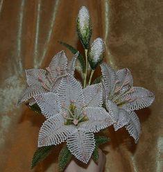 Seed Bead Flowers, Seed Beads, Beaded Flowers Patterns, Beaded Spiders, French Beaded Flowers, Wire Trees, Beading Techniques, Bead Jewellery, Wire Art