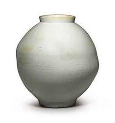 A Large White Porcelain Jar Joseon dynasty century) (Christie's, New York - Lot Antique Pottery, Pottery Art, Moon Jar, Korean Art, Barbie Collector, China Porcelain, Painted Porcelain, Large White, White Ceramics