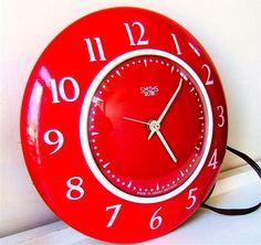 Superb Vtg 50s 60s Smiths Enamel Red Wall Clock retro Kitchen metal Eames Era