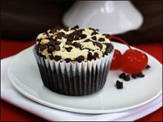 HG's Double-Decker Fudgy Cheesecake Cupcakes