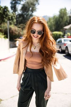 Madelaine Petsch, Beautiful Redhead, Beautiful Celebrities, Cheryl Blossom Riverdale, Riverdale Cast, Betty Cooper, Famous Girls, Outfit Trends, Ginger Hair