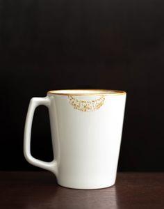 A flirty golden lipstick print mug tutorial using non-toxic ceramic paint. All You Need Is, Diy Lipstick, Mason Jar Diy, Crafty Craft, Mug Designs, Drinking Tea, Craft Gifts, Hot Chocolate, Tableware