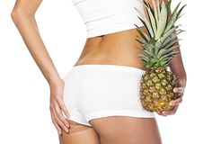 Pineapple Tea For Weight Loss Pineapple is a delicious summer fruit. It is often preferred as either Juice or as slices. Very few people may have heard about Pineapple Tea Weight Loss Smoothies, Healthy Weight Loss, Reduce Weight, How To Lose Weight Fast, Celery Smoothie, Banana Smoothies, Pineapple Tea, Water Retention Remedies, Lose Stomach Fat Fast