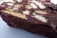 Zin in iets lekker zoets dat makkelijk te maken is? Probeer dan dit recept voor arretjescake zonder ei (en mét vanillevla).