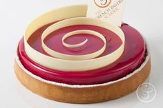 The French Pastry School. Attend a french pastry school and learn to make french pastry Desserts Français, Elegant Desserts, French Desserts, Plated Desserts, French Pastry School, French School, Dessert Presentation, Chocolate Work, Decoration Patisserie