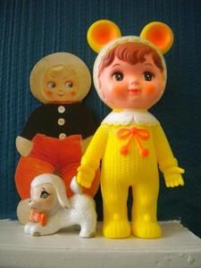 Love these cute kitschy vintage toys