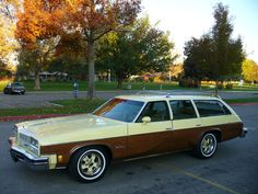 My family had this model, 1977 Oldsmobile Vista Cruiser, but the yellow on this one was a cooler rust color (not real rust, but rust color). Our previous wagon had this same paint scheme (and fake wood) but was an earlier model Pontiac.
