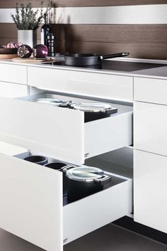 Poggenpohl Accessories - Drawer and Pull-outs with LED lights