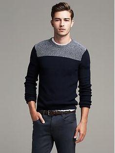 Sharp Sweater Este el sueter es negro y blanco. Yo pienso el sueter es  guay.