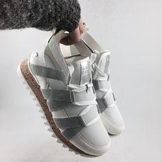 New! #Sneakers Karlie de Gioseppo y dale un toque diferente a tus looks