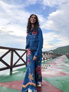 Jaqueta Sonho Na Amazônia Refarm Jeans - Farm Jeans Rosa, All Jeans, Tie Dye Skirt, Bohemian, Skirts, Style, Fashion, Jean Jacket Hoodie, Block Prints