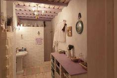 Sat Pasarea, Comuna Brănești Traditional House, Traditional Interior, My Dream Home, Bathtub, House Design, Interior Design, Mirror, Bathroom, House Styles